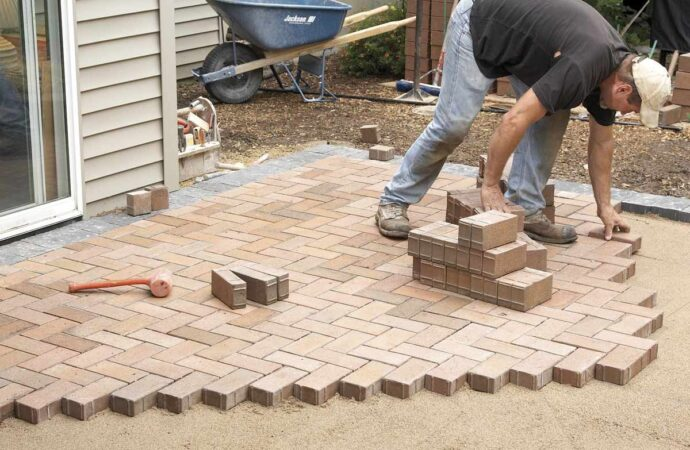 Pavers-Garland TX Professional Landscapers & Outdoor Living Designs-We offer Landscape Design, Outdoor Patios & Pergolas, Outdoor Living Spaces, Stonescapes, Residential & Commercial Landscaping, Irrigation Installation & Repairs, Drainage Systems, Landscape Lighting, Outdoor Living Spaces, Tree Service, Lawn Service, and more.